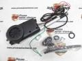 Antena universal electrica cromada, con múltiples adaptadores.