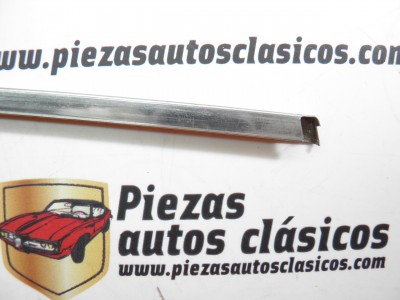 Moldura rejilla Renault 7 inferior 770056200