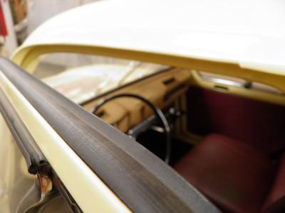 Goma de puerta Renault 4 hueca con labio (3,60m para una puerta)
