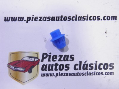 Tuerca apoyabrazos y maneta Renault Ref: 7703081013