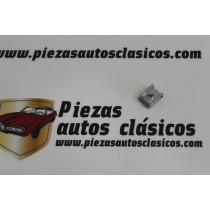 Grapa Sujeción Piloto Delantero Renault 5 Ref:7703046021