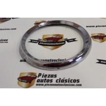 Cerquillo de faro Renault 8 y 8 Ts (sin patilla) Ref:7702040684