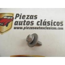 Tornillo aleta y parachoques Renault M6X20