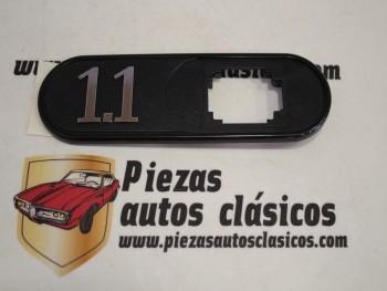 Anagrama adhesivo aleta delantera derecha Renault 1.1 Ref: 7700804519
