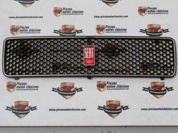 Rejilla Con Anagrama Seat 127 1ª Serie ( Panel De Abeja ) Ref: HB53010004