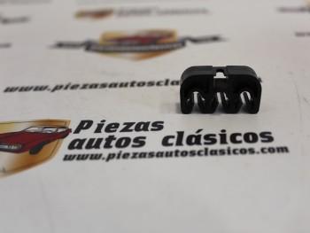 Grapa Fijación Tubo Freno Renault (tres vias) Ref:7703079349