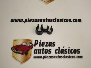 Grapa fijación tubo combustible Renault Clío II, Kangoo I, Master II, Trafic II... Ref: 7703079195