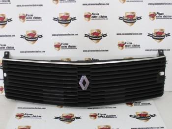 Rejilla delantera Renault 18 sin anagrama Mod.2 (con agujeros brazo limpia faros)