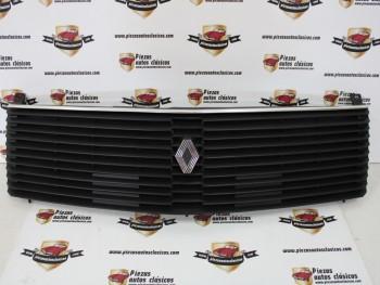 Rejilla delantera Renault 18 Ref: 7701349231(con patilla rota ,ver fotos)