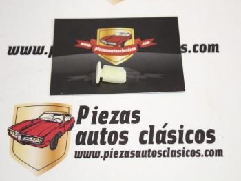 Grapa Tapizado Renault Super 5, 9, 11, 19... Ref: 7703077108