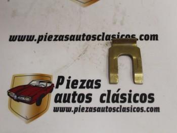 Grapa Sujección Latiguillo De Frenos Renault 4, 4CV, 5... Ref: 7700560788