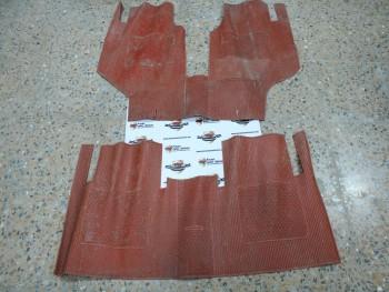 Juego alfombrillas goma rojo Seat 1200 Sport