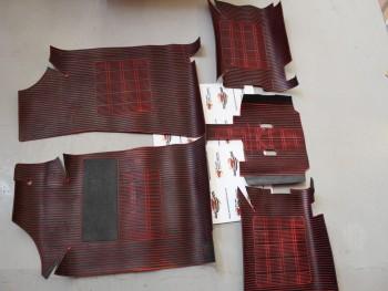 Juego Alfombrillas Goma Seat 131 1600 Rojo/Negro (co leve tara, ver fotos)