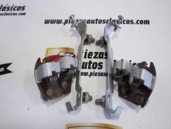 Pareja de portalámparas pilotos traseros Renault 4CV 1ª serie