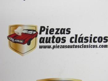 Grapa fijación anagrama para patilla de 5mm. (encaje 8mm.)  Renault