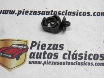 Grapa Soporte Cables Renault 19 REF 7703079285
