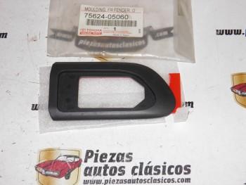 Moldura Aleta Delantera Izquierda Toyota Avensis Ref:75624