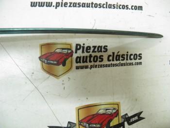 Moldura superior rejilla Renault 18 Ref: 7700642158