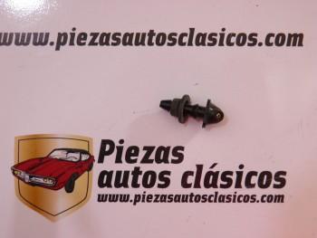 Surtidor limpiaparabrisas 1 salida con goma Renault para tubo 4x6mm.