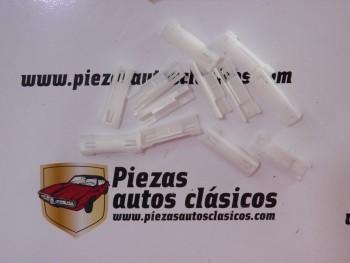 Kit de 12 clips sujeción vierteaguas Renault Scenic, Megane y Twingo Ref: 7703077424