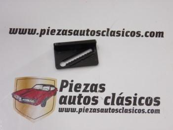 Grapa marco cristal Renault 21 Ref: 7705099009