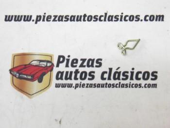 Grapas tapizado (4 unidades) Renault 4 y 6 Ref: 7703076031