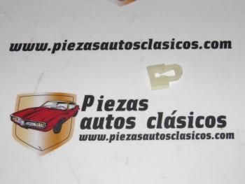 Grapa Renault 4, 5, 6, 9, 11, 12, 14, 15, 16, 17, 18, 20, 25, Fuego, Trafic Ref: 7703077040