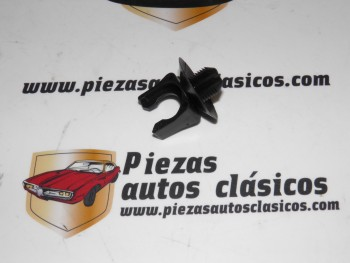 Grapa abrazadera tubo canalización Renault 19, 21, Megane, Scenic 2 Ref: 7703079449