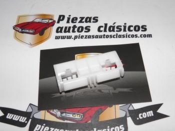 Grapa moldura techo Renault Laguna I, Megane I, Scenic I Ref: 7701042283