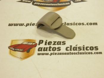 Grapa Sujeción Cortinilla Trasera Renault Clio y Megane ( gris claro )
