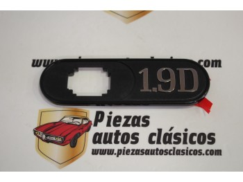 Anagrama lateral delantero derecho 1.9 D Renault Clío Ref: 7700804526